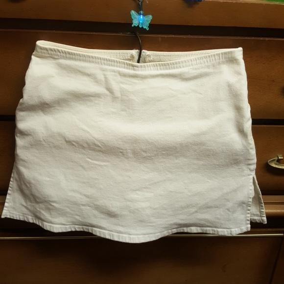 "VENUS Pants - Females  ""VENUS""  White Mini Skort"